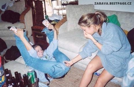 Když si holky hrajou