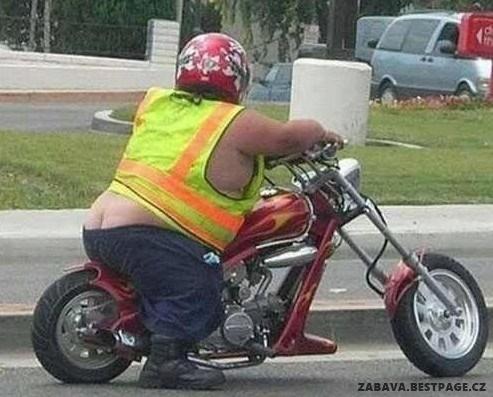 Tlusťoši na motorce
