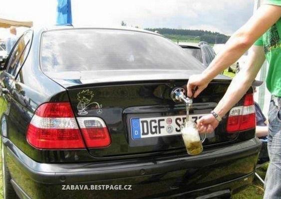Pivo si vozím pořád s sebou v autě!