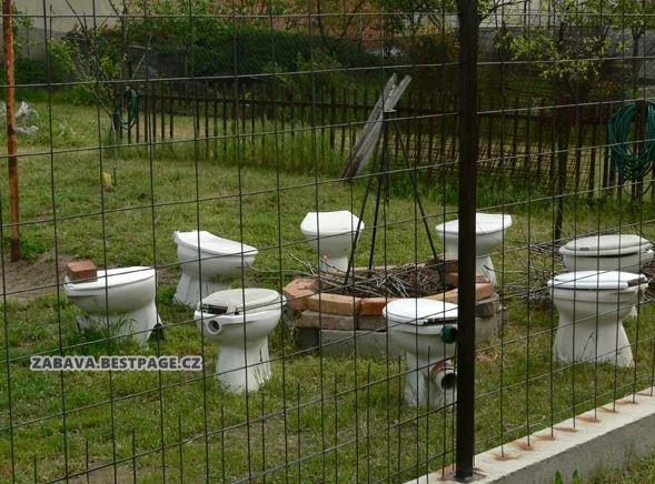 Záchodové mísy k ohni